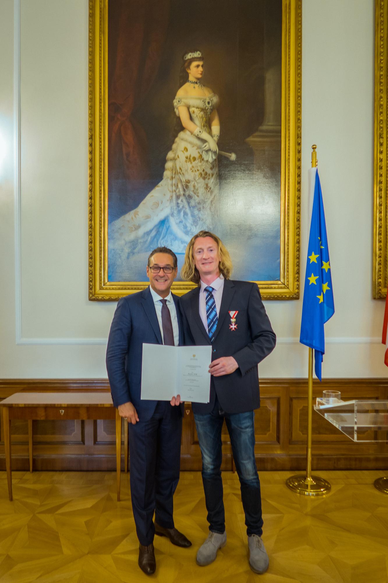 Goldenes Ehrenzeichen vom Sportminister